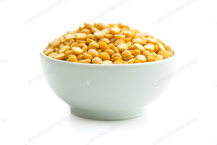 Yellow split peas in bowl.