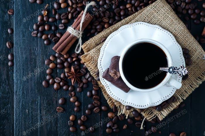 Tasse italienischen Espresso mit Zimt