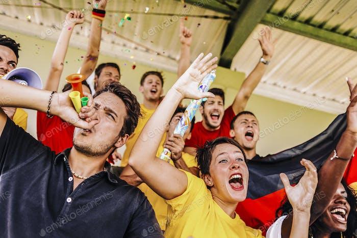Unterstützer aus Deutschland im Stadion