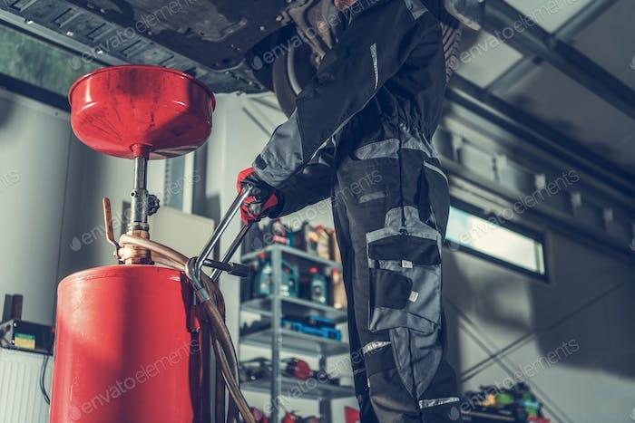 Vehicle Oil Change Service