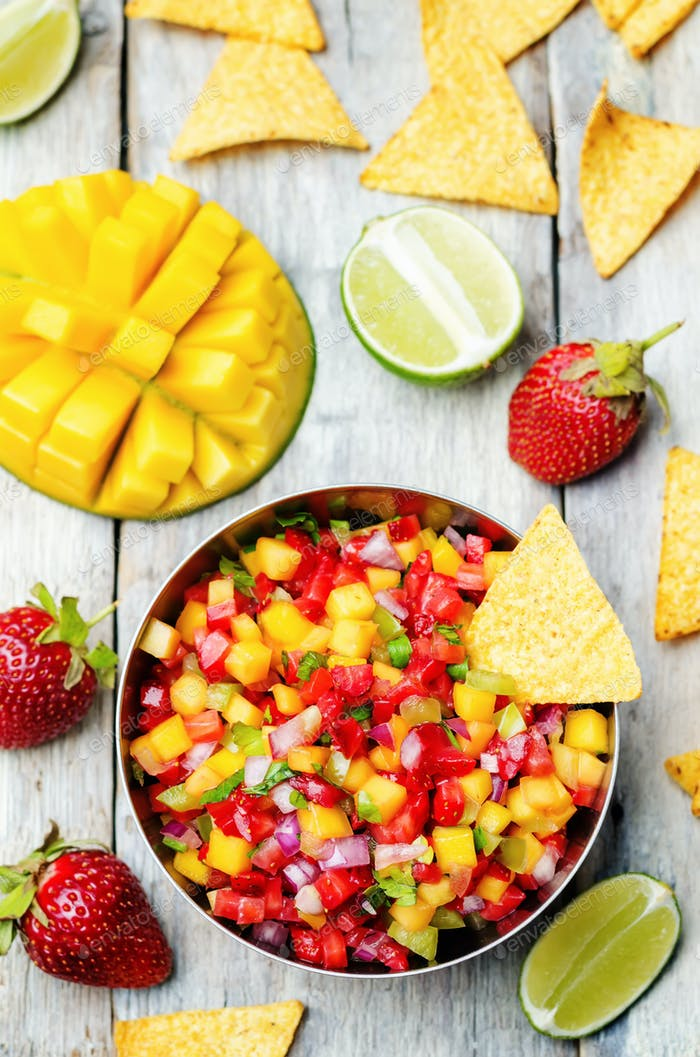 strawberry mango pepper salsa