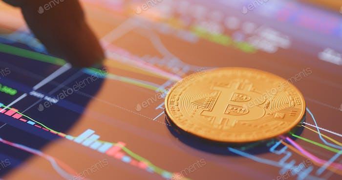Bitcoin en la pantalla de datos bursátiles