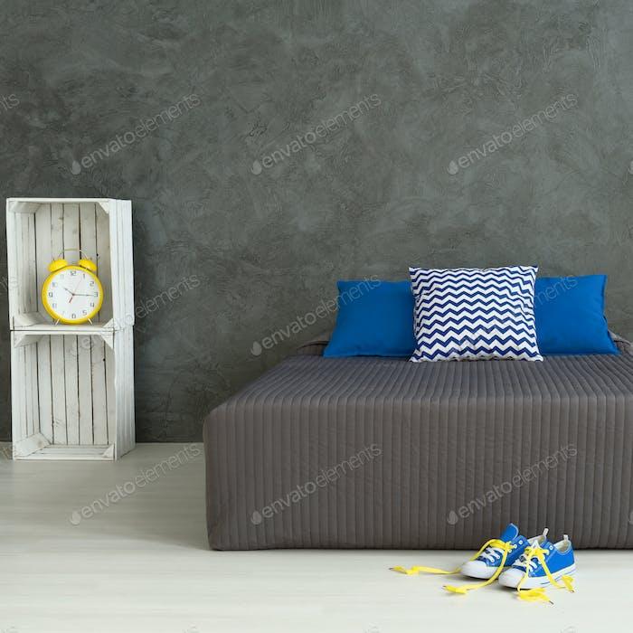 Dormitorio de un niño joven