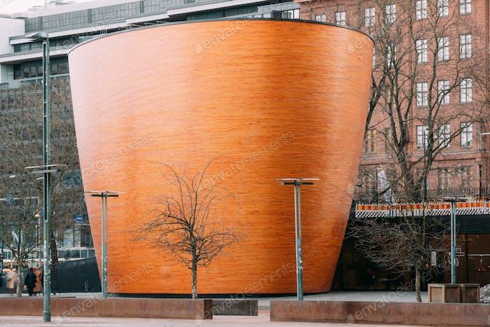 Helsinki, Finlande. Kamppi Chapelle Aussi Connu comme Chapelle De Silence