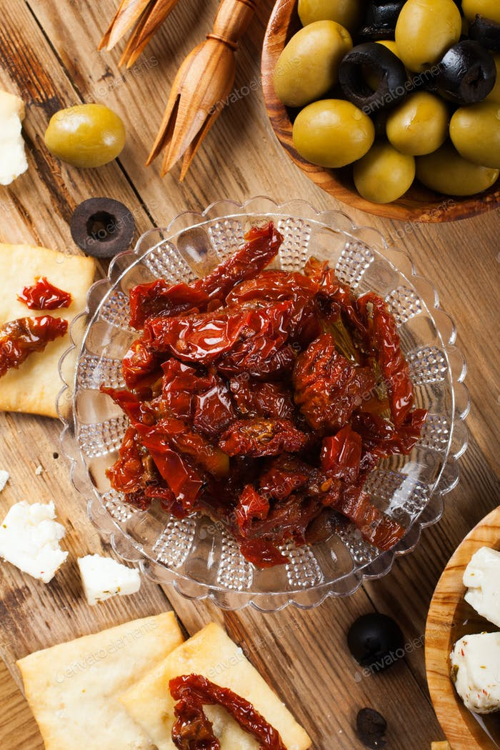 Sun dried tomatoes with olives