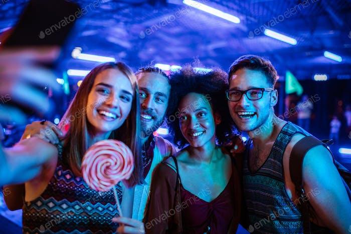 Die beste Party-Crew der Welt!