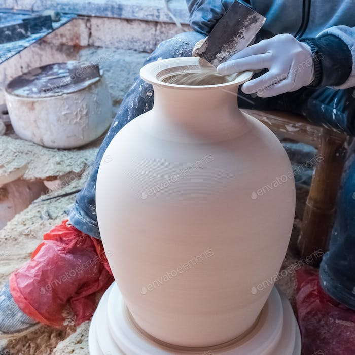 traditional handmade porcelain process