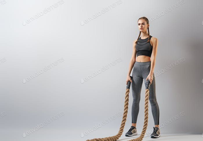 woman doing crossfit exercises