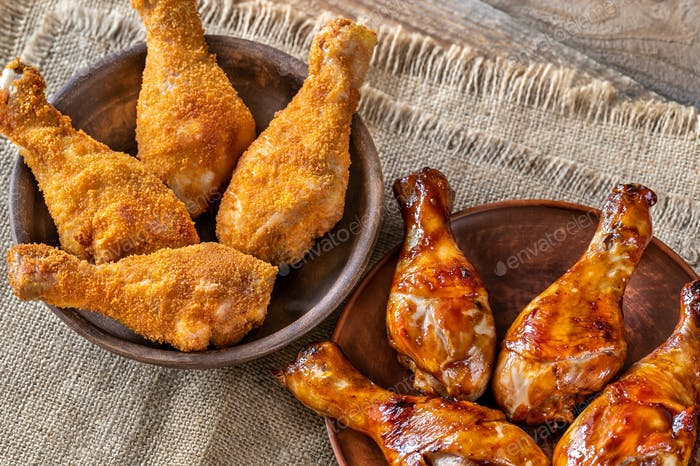 Breaded and grilled chicken drumsticks