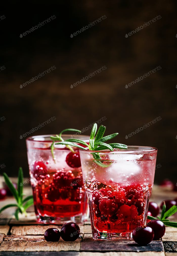 Cranberry beverage with ice and berries