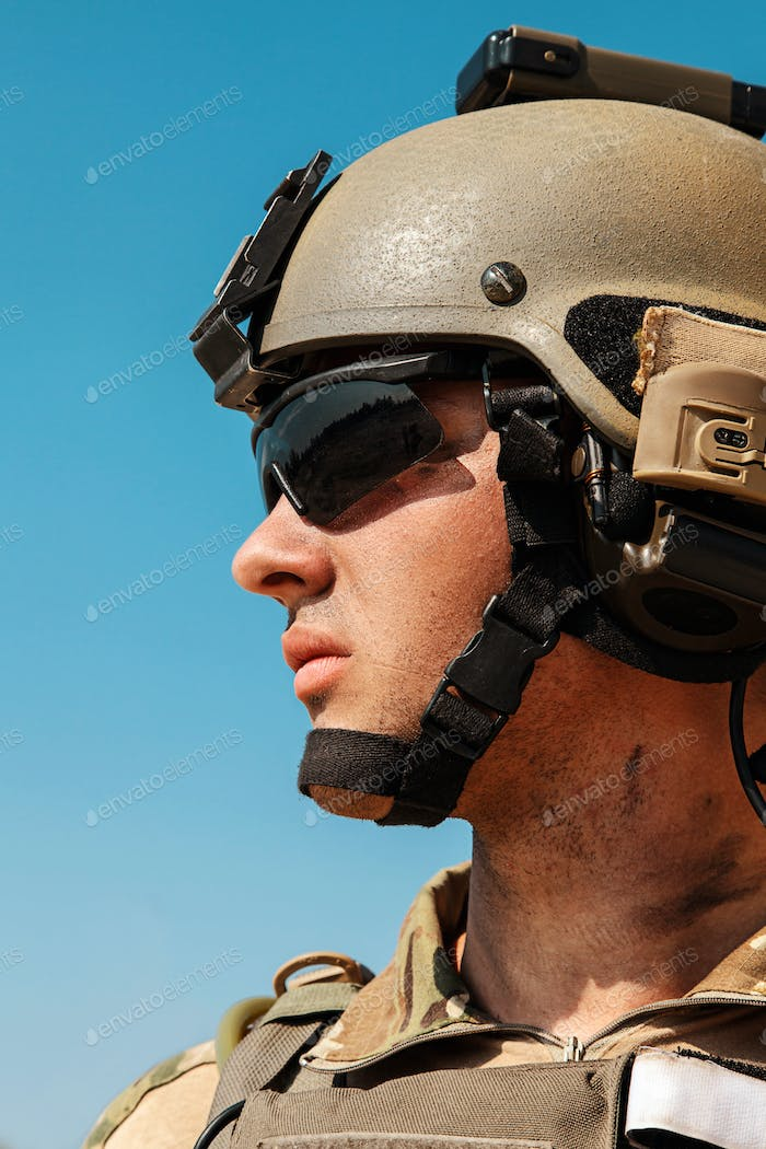 US Army Ranger in the desert beneath a scorching sun