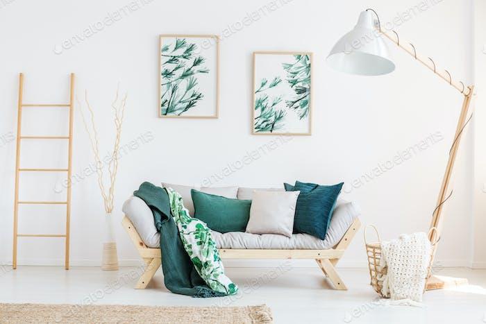 Sala de estar clásica con lámpara