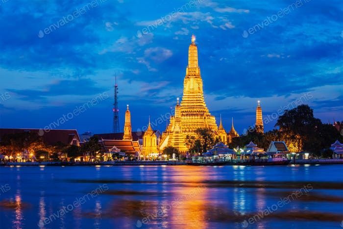 Wat Arun temple in Bangkok, Thailand in the night