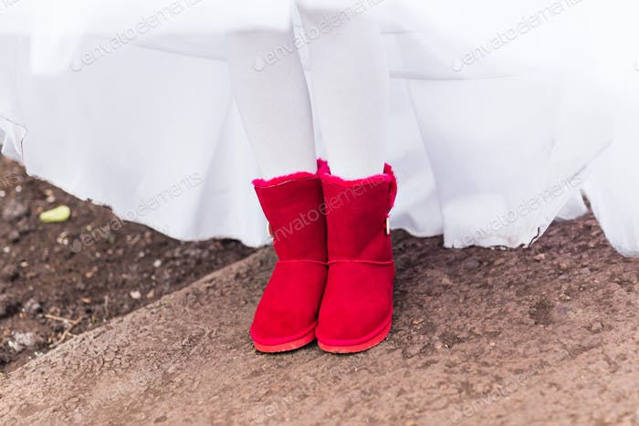 red uggs boots