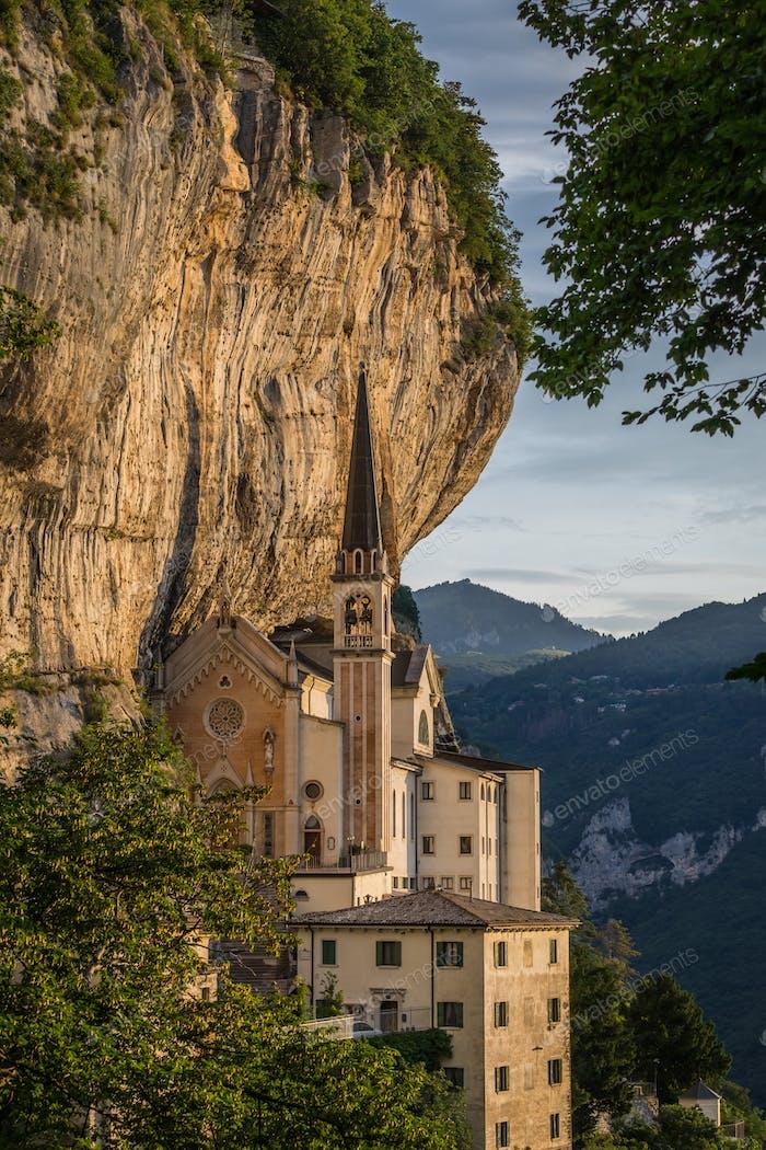 Wallfahrtskirche Madonna della Corona, Italien