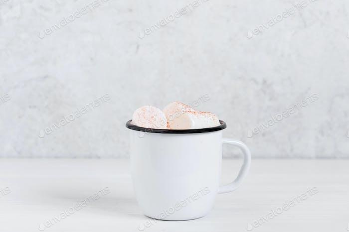 Winter-Heißgetränk mit Marshmallow