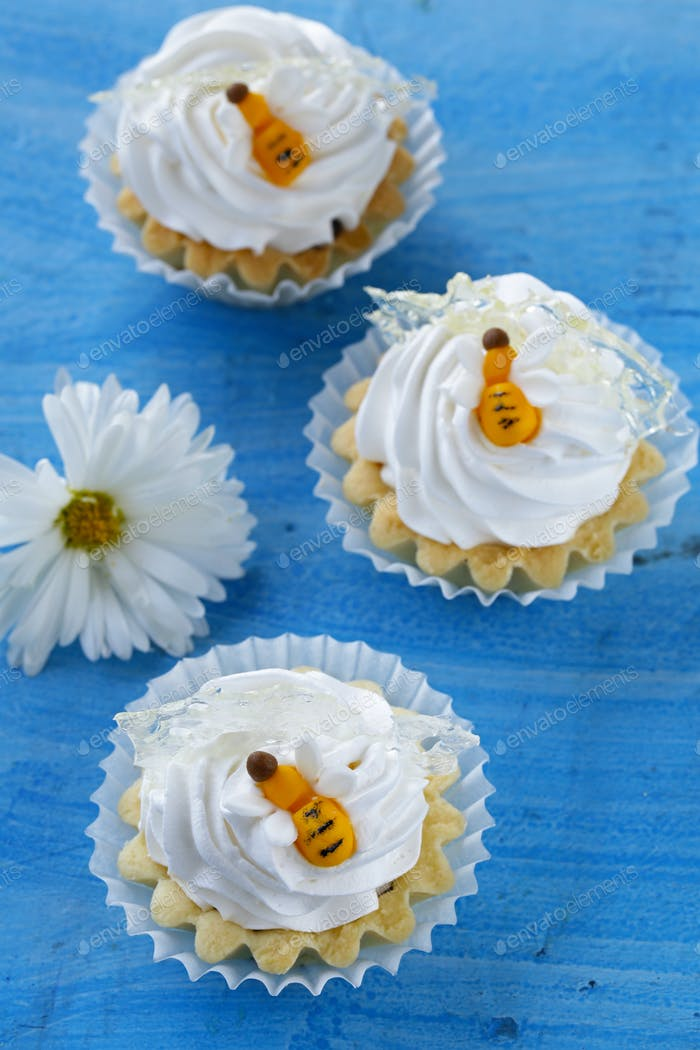 Sweet Lemon Tartlets