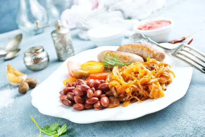 sausages with fried cabbage