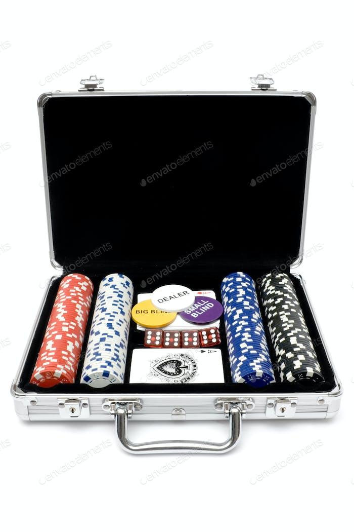 Kit de póquer aislado sobre Fondo blanco