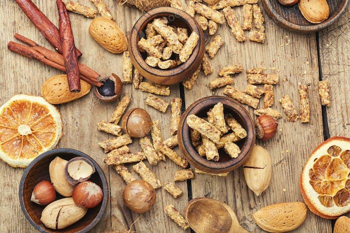 Müsli und gemischte Nüsse