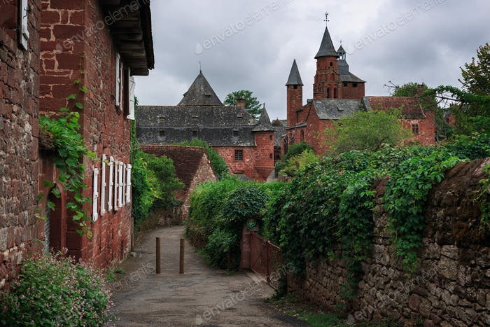 Red village Colonges-la-Rouge
