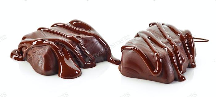 Süßigkeiten mit geschmolzener Schokolade