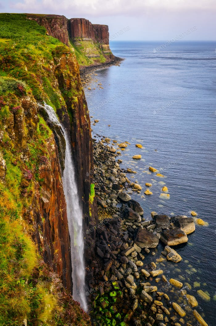 Kilt rock coastline cliff in Scottish highlands, Scotland