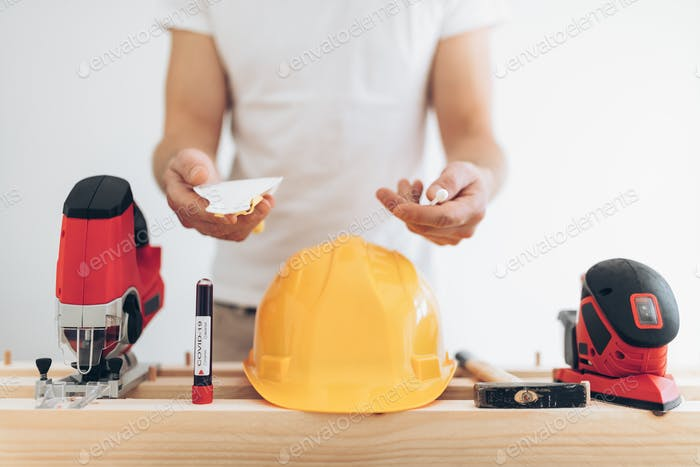 Builder unable to work during the coronavirus lockdown