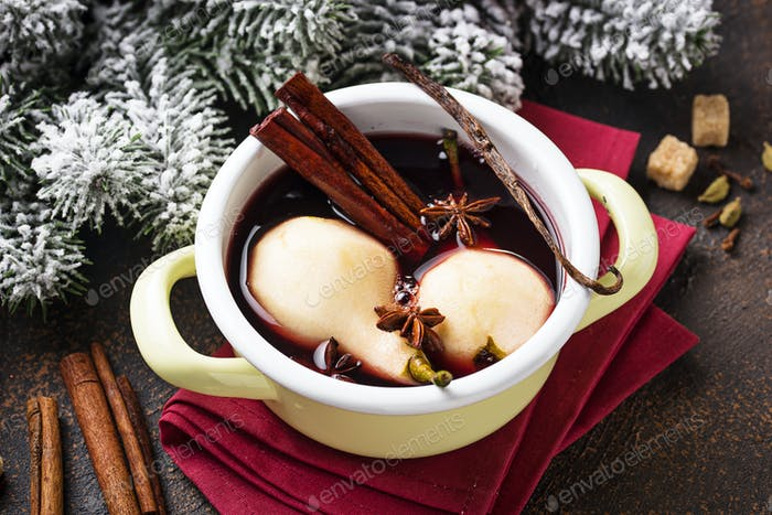 Cooking pears in wine with spices