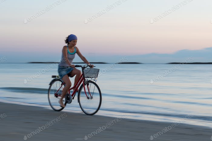 Young woman during a bicycle