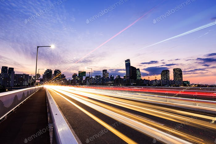 Traffic in Seoul city at night