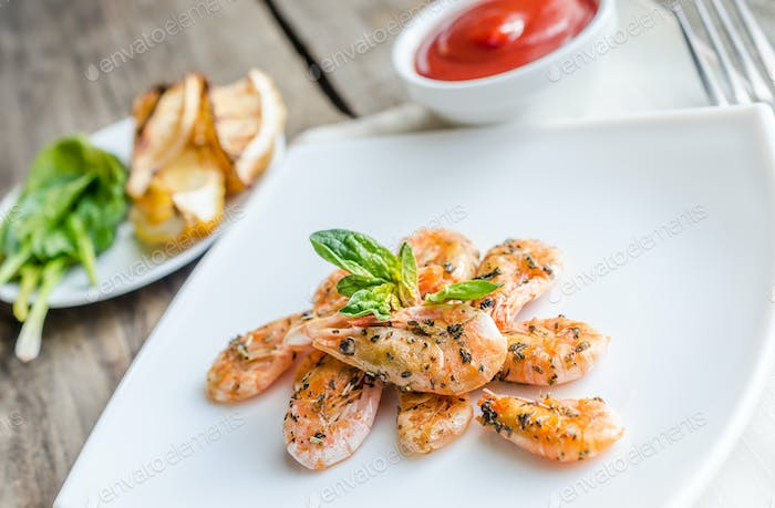 Shrimps with sauce