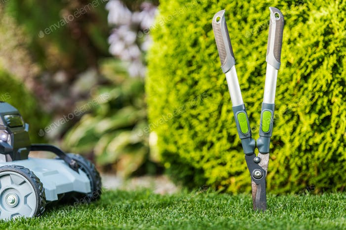 Thema Gartengeräte und Sommer-Hinterhof-Wartung