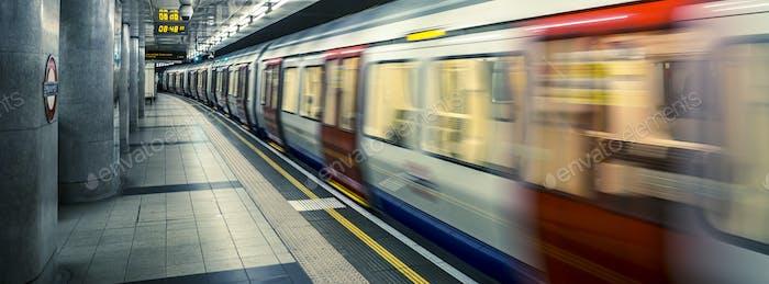 Blick auf die Londoner U-Bahn