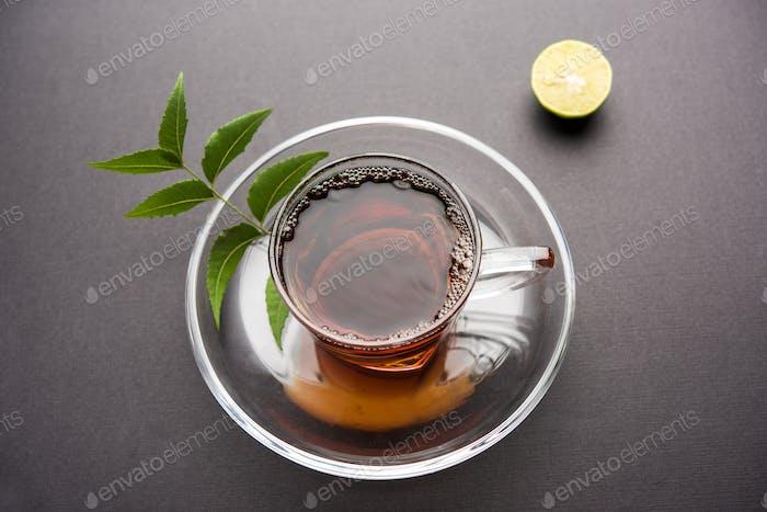 Kräuter Neem-Tee