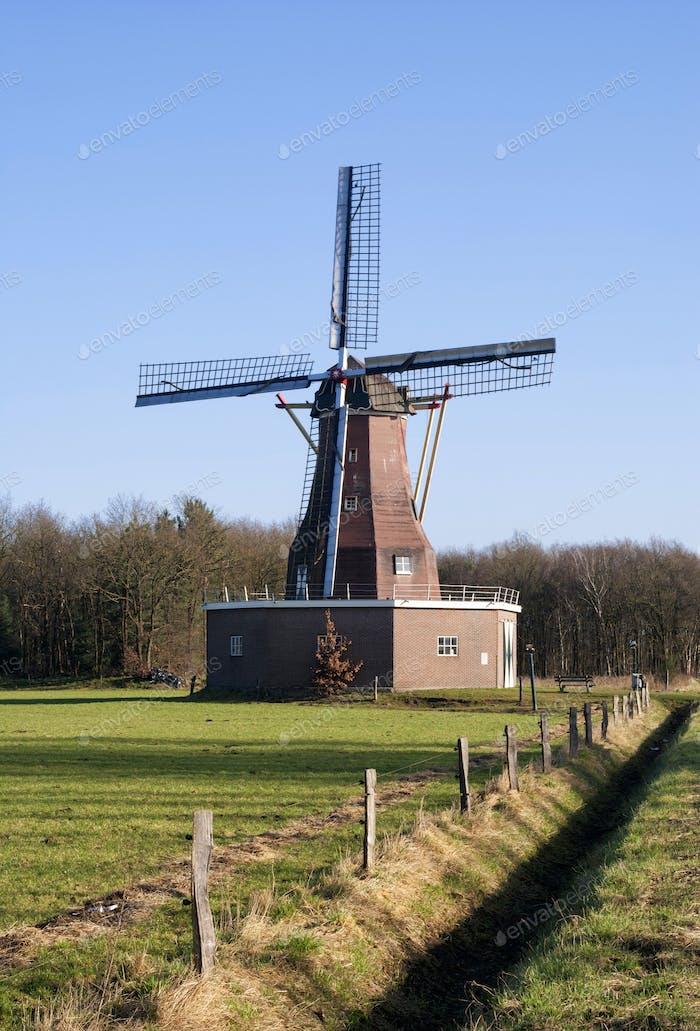 Windmill Sint Victor