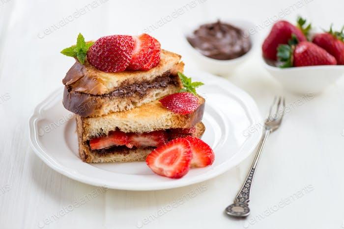 French Toasts mit Schokoladen-Haselnuss-Füllung
