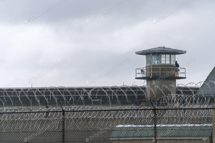 Wachturm Stacheldrahtzaun Grenze Bundesgefängnis