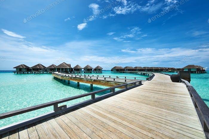 Hermosa Playa con bungalows de agua