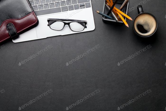Schreibtisch Schreibtisch Schreibtisch mit Laptop und Zubehör