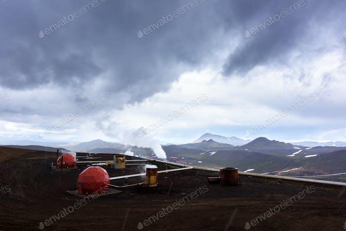Islandia Horizontal con tuberías en montañas