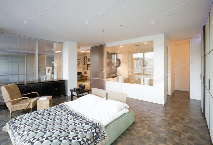 Platform bed in modern bedroom