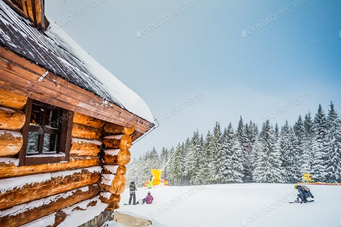 Winterferien Holzhaus in den Bergen
