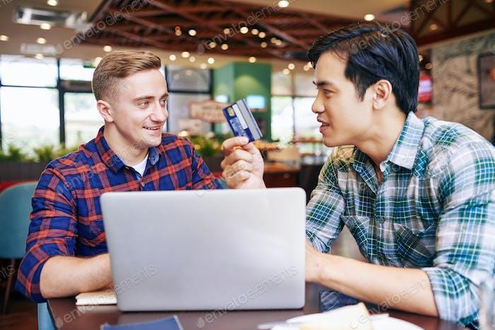 Neue Kreditkarte diskutieren