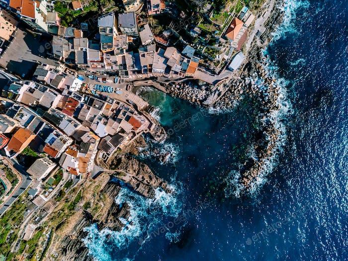 Luftaufnahme von Cinque Terre, Riomaggiore, Italien.