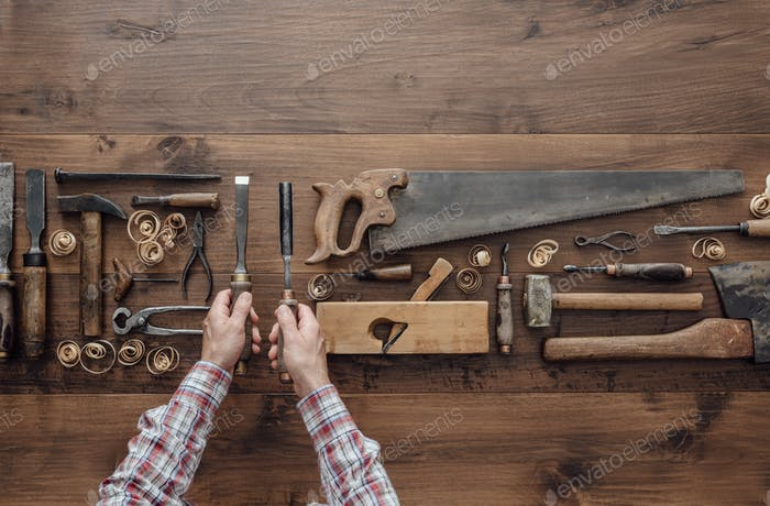 Carpenter holding tools