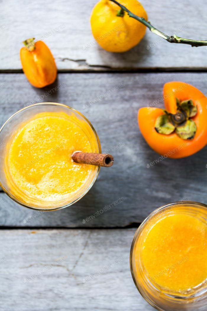 Persimmon with orange smoothie