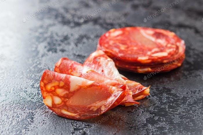 Geschnittene Chorizo Salami Wurst.
