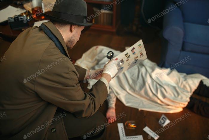 Detektiv mit Lupe suchen Brief