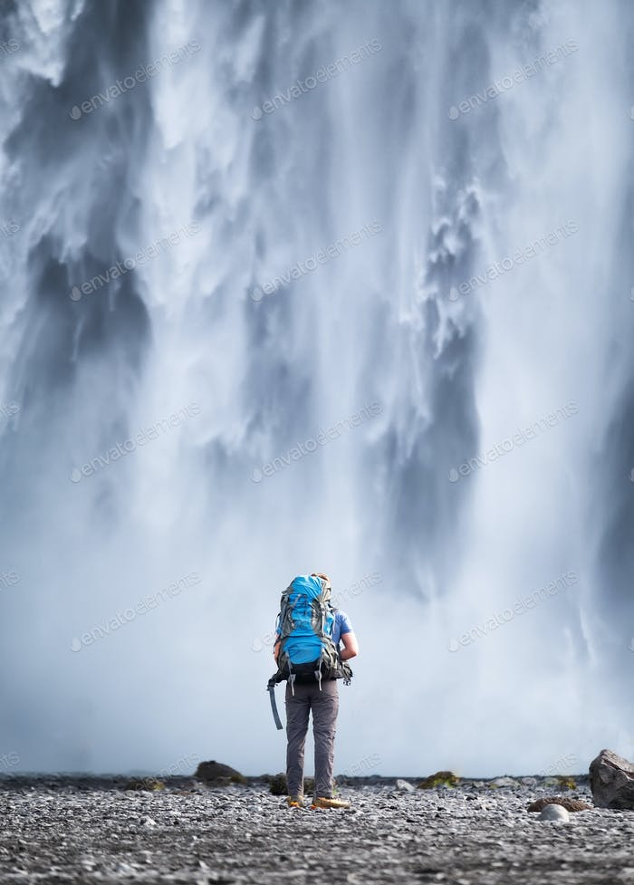 Icelandic traveler